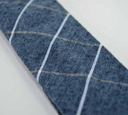 Kravata Skini kros modra- blizu