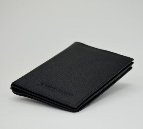 Črn etui za dokumente in kartice.