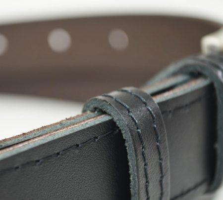 Material pasu Črn Kavboj.